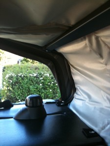 vendu coffre de toit souple et pliable id al 4x4. Black Bedroom Furniture Sets. Home Design Ideas