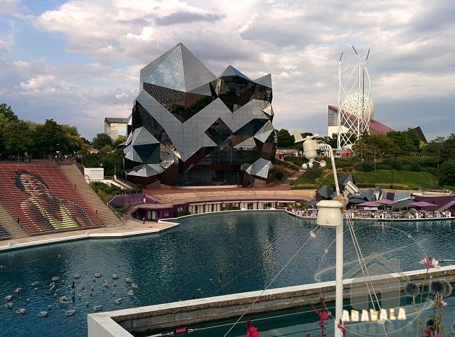 Futuroscope-futur-pavillon