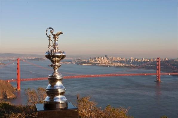 americas-cup-2013-trophée
