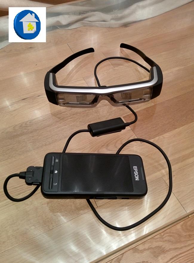 epson-moverion-lunettes-pave-tactile-sur-table