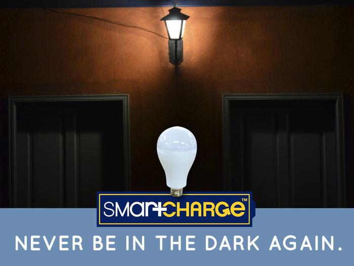 l 39 ampoule smartcharge brille m me en cas de panne de courant. Black Bedroom Furniture Sets. Home Design Ideas